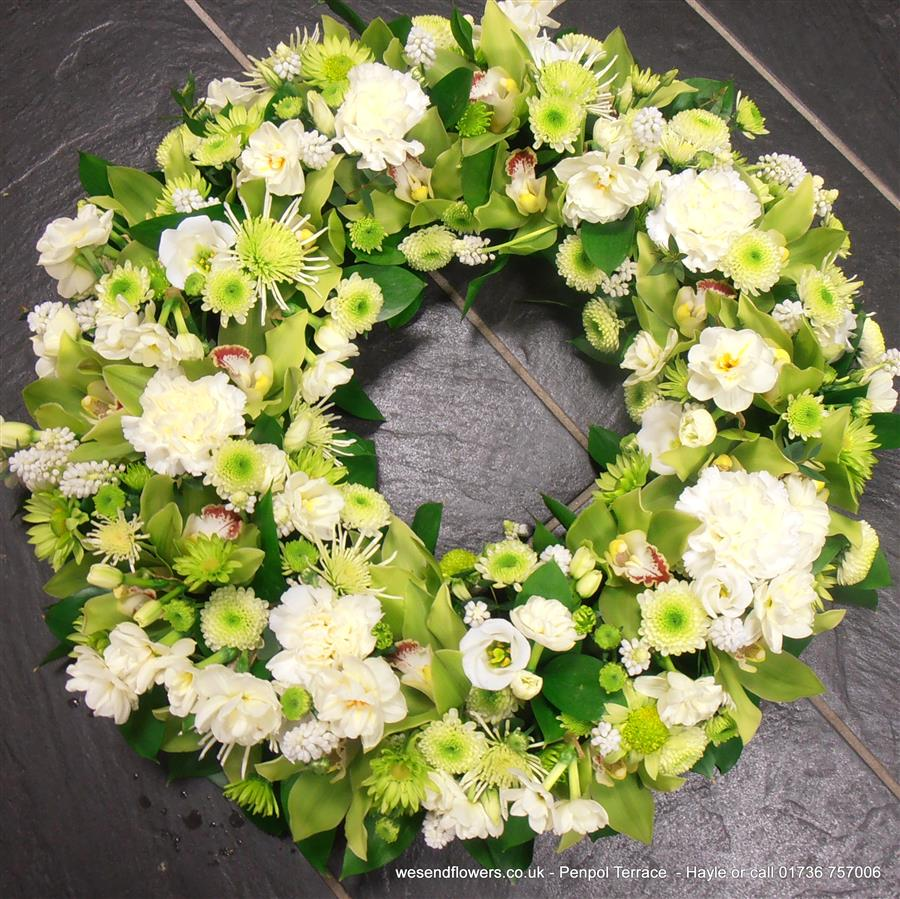 About flowertime florist hayle fwthumbhayle flowers floristry sympathy cornwall gifts send flowers today izmirmasajfo